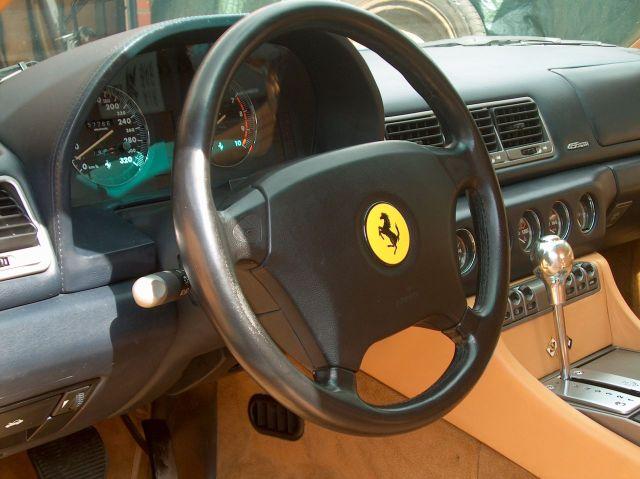 Ferrari 485 gta stuurwiel for Auto interieur vernieuwen