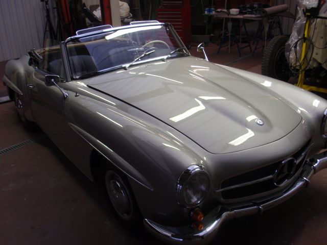 Mercedes 190 sl interieur for Interieur mercedes 190